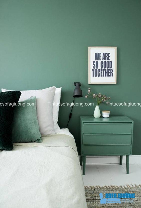 Hoặc có thể treo tranh chữ ở phòng ngủ như thế này