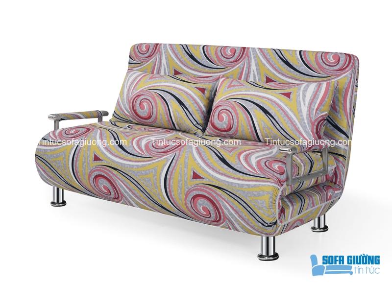 Màu sắc và họa tiết của chiếc ghế sofa này biến không gian trở nên lạ mắt hơn
